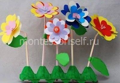 Цветочки из трубочек и бумаги