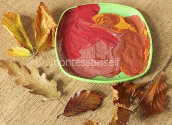 Краска и листья