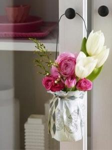 Подвеска с цветами для мамы