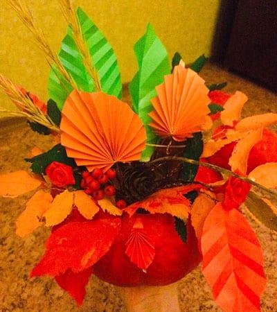 Осенний букет из природных материалов и бумаги