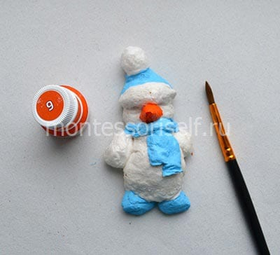 Раскрашиваем снеговика