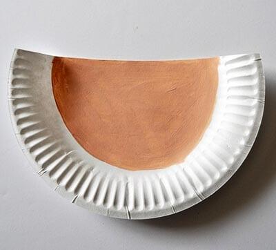 Окрашиваем половину тарелки