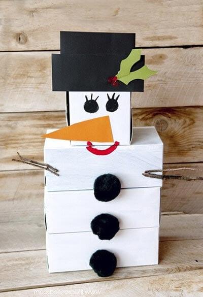 Снеговик из коробок