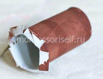 Надрезаем и раскрашиваем картонный рулон