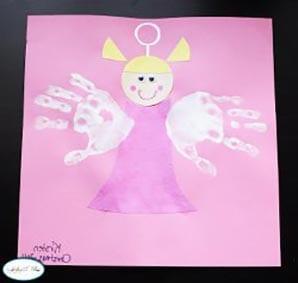 Ангел из отпечатков детских ладошек