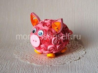 Свинка квиллинг в подарок к Новому Году