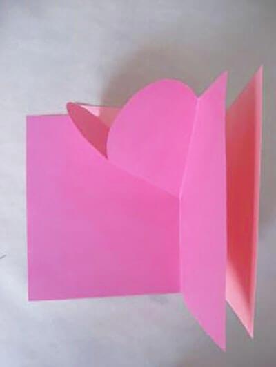 Прямоугольник приклеиваем к листочку с сердечком