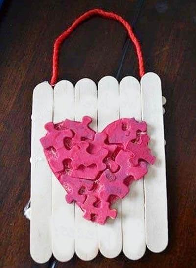 Украшение на День святого Валентина из пазлов