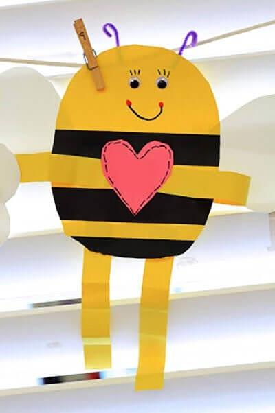 Пчелка - поздравление ко дню Святого Валентина