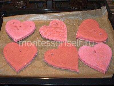 Валентинки из розового теста
