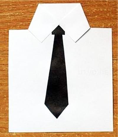 Приклеиваем галстук