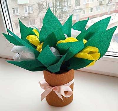 Букет тюльпанов на 8 марта из гофрированной бумаги