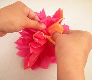 Расправляем цветок