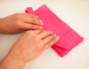 Складываем лист бумаги гармошкой