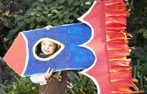 Большая ракета из картона