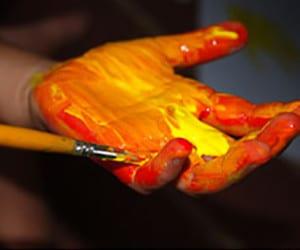 Мажем ручку краской
