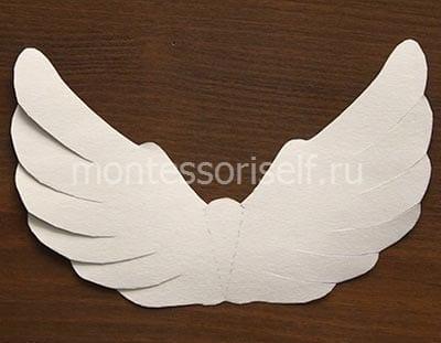 Делаем надрезы на крыльях