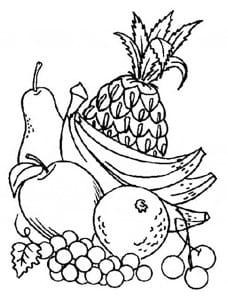 Фрукты с бананом и ананасом