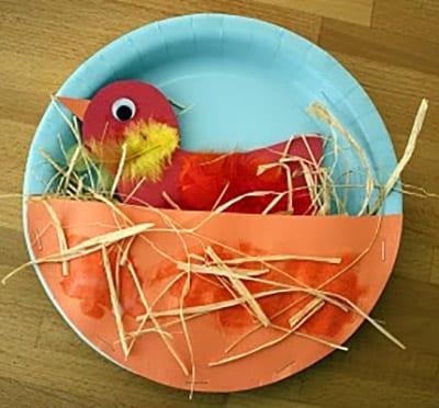 Птичка в гнезде