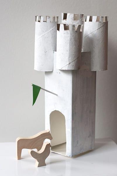 Замок с башнями