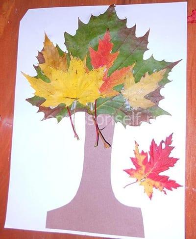 Осеннее дерево из листьев