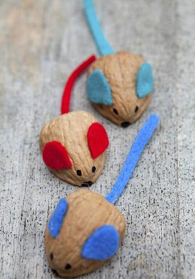 Мышки из орешка