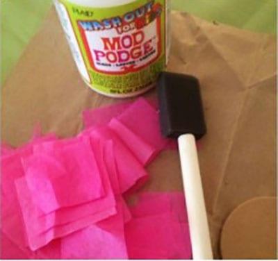 Тонкая розовая бумага и клей