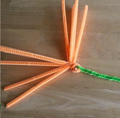 Закручиваем оранжевую проволоку