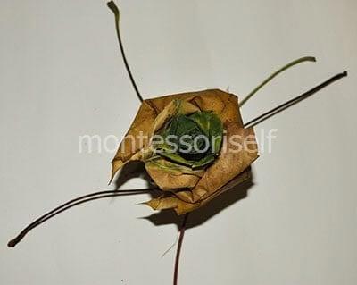Дополняем основу листьями