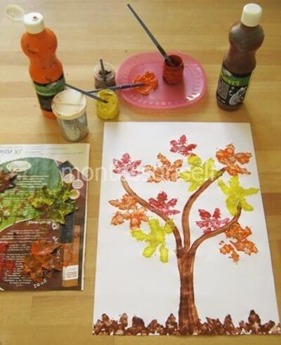 Рисунок осенними листьями