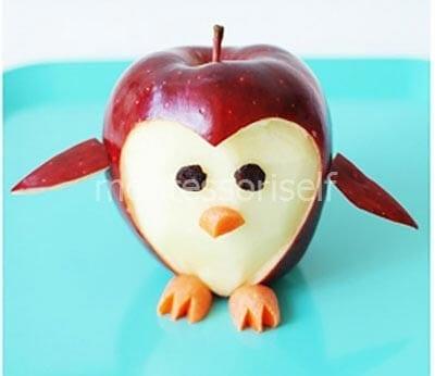 Пингвин из яблока
