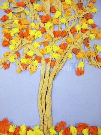 Осеннее дерево из скрученной бумаги