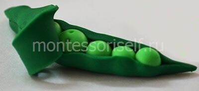 Зеленый горошек из пластилина