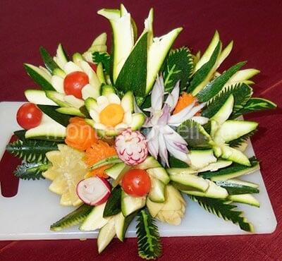 Букет цветов из овощей