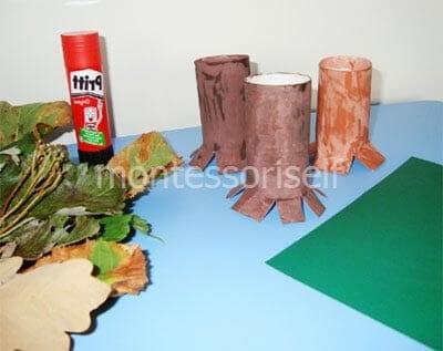 Стволы деревьев из картонных рулонов
