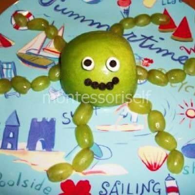 Осьминог из фруктов