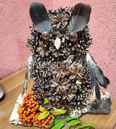 Сова из шишек для осенней выставки