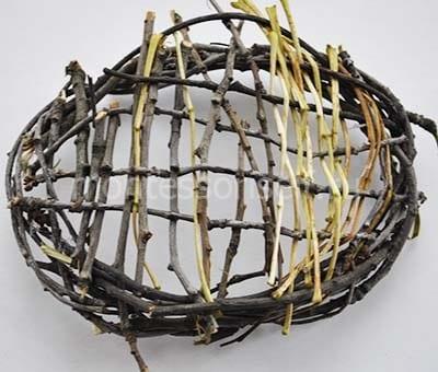 Гнездо из веточек