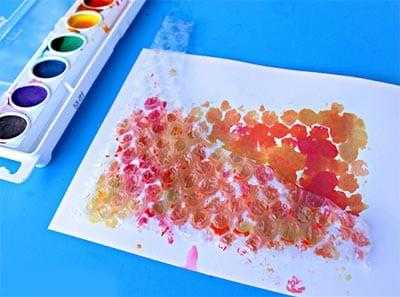 Оставляем отпечаток на листе бумаги