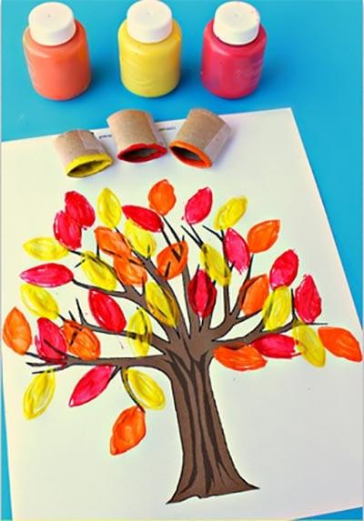 Осенние листики на дереве