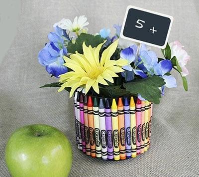 Ваза с цветами для учителя