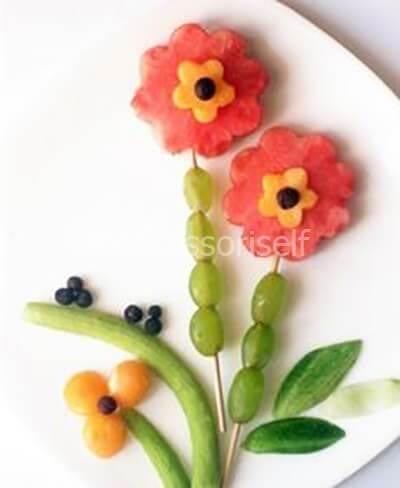 Цветы из фруктов, ягод и зелени