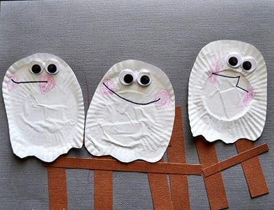 Открытка с привидениями