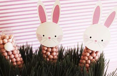 Кролик из конфет