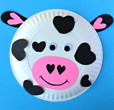 Корова из одноразовой тарелки