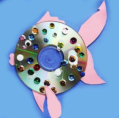 Павлин из дисков в сад