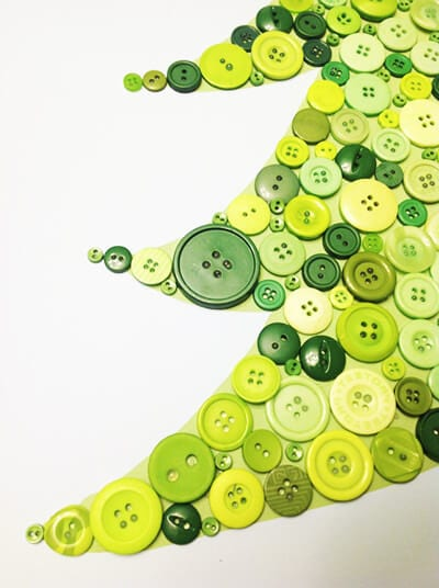 Зеленые пуговицы разного размера