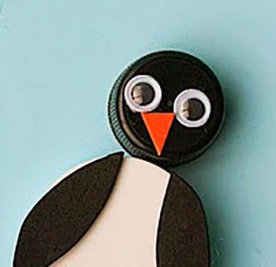 Пингвин из пробок
