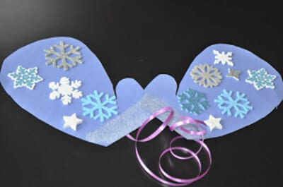 Crafting paper mittens