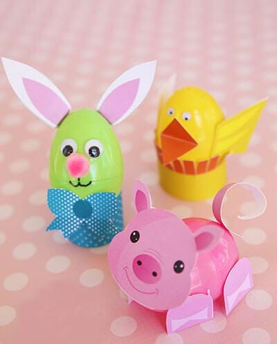Crafts from plastic eggs